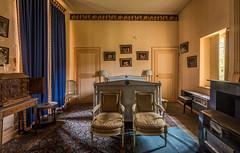 DSC_4100-HDR (Foto-Runner) Tags: urbex lost decay abandonné château castel dingue fou crazy passions haine