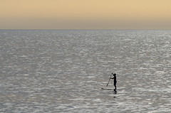 Relax (inma F) Tags: agua atardecer cielo contraluz costa gente lapunta mar puestadesol silueta calima tenerife paddlesurf sea sunset silhouette seasport seapaddle backlighthing
