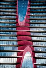 El reflex d'un núvol a la planta 69.  (Ciutat dels negocis - L'Hospitalet - Catalunya). EXPLORE 21/04/2017 (Antoni Gallart i Vilarrasa) Tags: gratacels rascacielos skyscraper d800 2017 lhospitalet barcelona catalunya cataluña catalonia reflex reflejo reflection floor planta