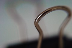 Macro V °117/365 (donlunzo16) Tags: nikon df color lightroom raw nef preset vsco film vignette pack 3x nd filter city town nikkor ais manual lens 50mm f112 flipoverlens flippedover 365the2017edition 3652017 day117365 27apr17 macro closeup theme week clip metal chrom black bokeh