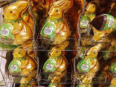 #Forgotten (RenateEurope) Tags: forgotten easterbunny chocolate 2017 germany nrw rheinland iphoneograhy renateeurope