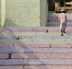 Leaving the Ghat (Alex L'aventurier,) Tags: varanasi inde india benares banaras kashi uttarpradesh ghat stairs pastel man hindu religion holy worship colors couleurs shadow ombre homme people candid urbain urban
