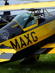 Great colours (Chris Parker2012) Tags: plane aircraft airshow pitts comptonabbas stuntplanes donhenry britishaerobaticassociation