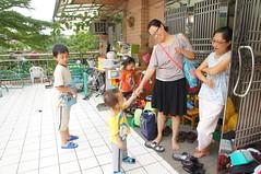 DSC09885 (小賴賴的相簿) Tags: baby kids sony taiwan 台灣 家庭 可愛 人像 小孩 親子 木柵 孩子 1680 兒童 a55 單眼 親情 1680mm 蔡斯 slta55v anlong77 小賴家 小賴賴