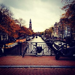 Autumn in Amsterdam.- (ancama_99(toni)) Tags: vacation holland apple netherlands amsterdam square squareformat holanda vacaciones paisesbajos 10favs 10faves 2013 25favs msterdam 25faves iphoneography instagramapp xproii uploaded:by=instagram iphone4s