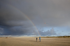 (Peter de Krom) Tags: sky kite beach weather rainbow dad dunes son hvh