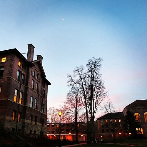 Another beautiful day is dawning on campus. Happy short-week Monday!