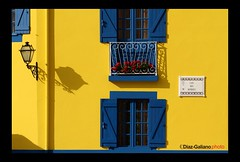 Fisherman's House , Aveiro , Portugal (DIAZ-GALIANO) Tags: flowers blue shadow costa house portugal window azul canon ventana casa fisherman sombra amarillo yelow 1001nights rosas vacaciones pescador aveiro greatphotographers flickrestrellas thebestofday gününeniyisi diazgaliano thebestofmimamorsgroups mygearandme mygearandmesilver mygearandmegold mygearandmeplatinum mygearandmediamond ringexcellence greaterphotographers dblringexcellence flickrbronzetrophygroup tplringexcellence ruby10 flickrsfinestimages1