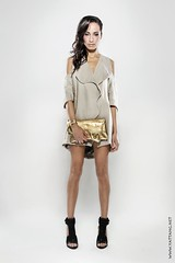 Mel (Y A T) Tags: fashion highkey accessories rimlight beautydish canon24105mm goldhandbag canon650d sarmiteostanevica strobeamdl4 timeataliandesigns melgdelanglade janecrowhurst xeniahair