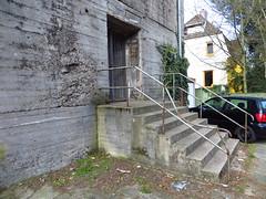 Bremen Hochbunker (2012) - Zwickauerstrasse (Wattman (trams, treinen, etc)) Tags: concrete nazi wwii bunker bremen beton airraidshelter wereldoorlog hudge schuilen stahlbeton zivilschutz schuilstad