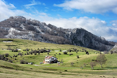 Arraba (Mimadeo) Tags: park old cliff house mountain building beautiful rock barn rural landscape spain construction cabin farm farming rustic cottage hovel meadow rocky peak mount hut valley shack agriculture shelter stable idyllic basque basquecountry refuge gorbea