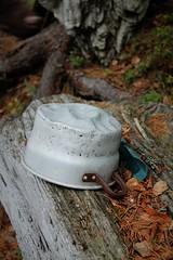 IMG_1623 (J_ani) Tags: old summer canon suomi finland leaf spring pot pan 1855mm saucepan joensuu kes lehti vanha kevt kasari kattila 1100d
