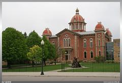 Hastings City Hall (uslovig) Tags: hastings mn minnesota usa vereinigte staaten von amerika united states america stadt city mississippi river flus hall rathaus baum bäume strasenlampe lamp
