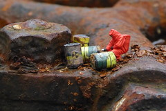 Radioactive (Glesga Geek) Tags: steam engine mini people ho oo toys slinkachu 187 miniature tiny wee worlds preiser noch figures radioactive cannisters canisters leaking leak fallout radiation rust rusting rusty