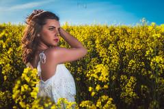Bea (Sergio Nevado) Tags: retrato portrait paisaje landscape chica mujer girl woman campo colza rapeseed field flor flower cielo sky azul blue