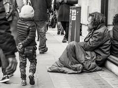 Man in the street (penn.sara) Tags: blackandwhite nikon nikonitalia bnwrose worldbnw peoplescreative photography streetphotography phography bnw bn bnwvision photo street photographer bnwcaptures londra world topworldphoto people