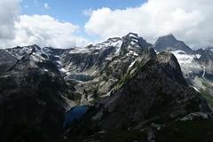 Thornton Lakes from Trappers Peak (Sean Munson) Tags: hiking lake lakes landscape mountains nationalparkthorntonlakes northcascades northcascadesnationalpark trapperspeak washington