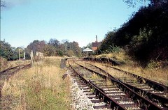 Southern Dereliction 1 - Droxford (Tilt Cab Man) Tags: station railwaystation droxfordstation meonvalleyrailway lswr londonsouthwesternrailway sr southernrailway br britishrailways brsr southernregion goodsyard droxford westmeon wickham privett meonvalley hampshire sadlerrailcoach pacerailer southernlocomotivepreservationsociety