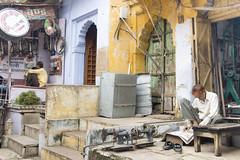 Rues de BUNDI Streets .....INDIA ..See my album of India (geolis06) Tags: geoli06 asia asie inde india rajasthan bundi streetlife rue route road geolis06 olympus olympusomdem5 omdem5 2013 olympusm1250mmf3563