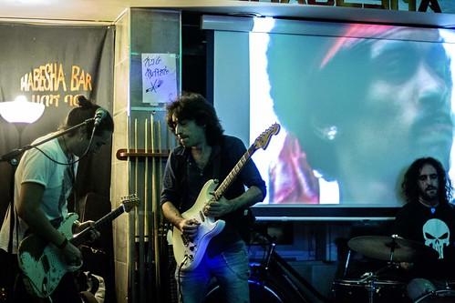 🎵#jamsession per/for @jimihendrix 🎸🎸 #rock #blues  #hardrock 😈#sourceofrock  #jimihendrix  @fulviofeliciano #psychedelic 🔊 #elettritv #habdeshabar #underground #live #seattle #music #sottosuolo #dalvivo #roma