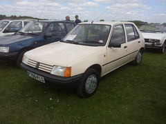 1988 Peugeot 205 GL 1.1 (quicksilver coaches) Tags: peugeot 205 f755flg bicesterheritage bicester