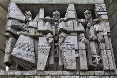 Transformers - Robots in disguise (Linda van Slobbe) Tags: ng urbanexploring ue exploring monument historicmonument bulgaria photography fragmentsofyesteryear lvsproductions transformers forgotten urban explorer architecture stones history vergeten vergessen nikon d5200