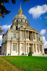 One of my favorite places in Paris 🇫🇷 (C G G) Tags: paris napoléon green blue sky trees colours