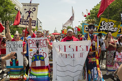 DC People's Climate March 2017 (fossilfuelresistancebloc) Tags: resist greenpeace activists capitol indigenousrights fossilfuels environment democracy redline coalition cleanenergy renewable climatechange globalwarming waterrising climatejustice environmentaljustice washington districtofcolumbia unitedstates usa