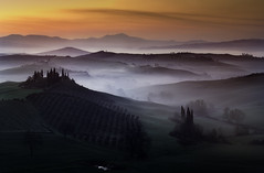 The Val d'Orcia (Massetti Fabrizio) Tags: sunrise sun sunlight sanquirico valdorcia landscape landscapes fog fields belvedere tree twilight tuscany toscana sunset pienza phaseone siena iq180 italia italy italiy mountain mount cambo clouds color red white worldheritage world woods rodenstock