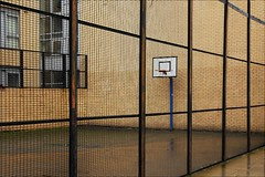 B-court (loop_oh) Tags: city uk greatbritain england green london basketball court cosmopolitan basket unitedkingdom britain united great kingdom stadt bethnal gb metropolitan weltstadt metropole themse londen grossbritannien londre britannien grosbritannien cosmopolitancity