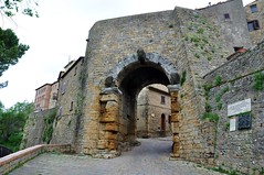 Porta All'Arco (7th Century B.C.) - Volterra, Italy (Crumblin Down) Tags: plaza rome green tower classic church stone town ancient ruins theater arch theatre roman basilica seat hill volterra entrance medieval cobble cobblestone column piazza seating vampires etruscan hilltown tuscana volturi