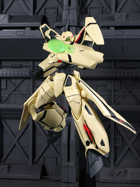 YF-19
