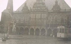 Rathaus Bremen (TrueVintage) Tags: city bw analog vintage 1930s cityhall stadt bremen past rathaus 1935 vergangenheit vintagephoto analogfoto