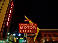 Golden West Motor Lodge (rickele) Tags: marquee rip nevada motel vacant boardedup neonsign arrow reno googie outofbusiness circuscircus cabletv us395 ushighway395 colortv dinersclub virginiastreet oldus40 usroute395 steelsign usroute40 goldenwestmotorlodge