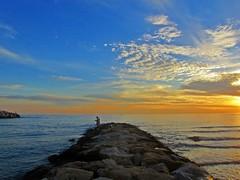El cielo al atardecer (Antonio Chacon) Tags: sunset españa atardecer mar day photos andalucia costadelsol puestadesol málaga marbella flickrsfinestimages1 flickrsfinestimages2 flickrsfinestimages3 pwpartlycloudy