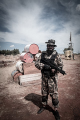 "Dav ""MacTavish"" (I) (JF Sebastian) Tags: portrait field friend barrels weapon battlefield airsoft bleachbypass morethan100visits morethan250visits protectionvest fujifilmxe11855"