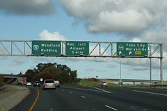 Int5nRoadSignWide-Exit525B-CA99n-SMFairport (formulanone) Tags: california i5 interstate5 ca99 99 buttoncopy