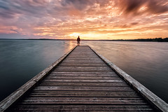 Le moment présent a un avantage sur tous les autres : il nous appartient (Ludovic Lagadec) Tags: sudouest longexposure ludoviclagadec landscape longueexposition landes lac azur france filtrend filtre bw110 poselongue paysage plage ponton sky sunset coucherdesoleil aquitaine