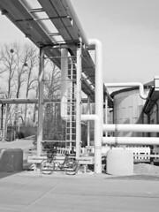 Tag des Wassers, so funktioniert Wasseraufbereitung. (Wallus2010) Tags: tagdeswassers hannover herrenhausen wasseraufbereitung nikon p900 wasser pumpanlage klärbecken 242000mm industrieanlage rohre