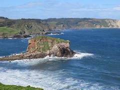 Mar Cantabrico, Asturias (Olga MM) Tags: naturaleza paisaje mar cantabrico asturias canon cielo isla nature sea landscape heaven island costa coast