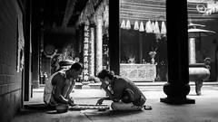 Saigon 20 (arsamie) Tags: saigon ho chi minh temple binh tay chua ong bon pagoda cho lon vietnam people men play chess draughts vietnamese old spirituality religion faith buddhism taoism god