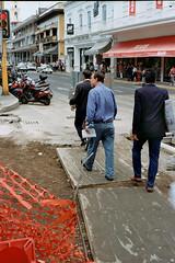 Adapting to the circumstances (AndreiSaade) Tags: minolta himatic7s minoltahimatic7s himatic kodak proimage 100 streetphotography rangefinder 35mm 35mmfilm keepfilmalive istillshootfilm méxico xalapa film