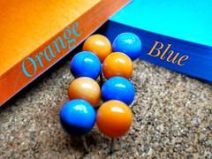 Orange meet Blue (tomquah) Tags: orangeandblue mm macromondays colors catchycolors tomquah huaweimate9 huaweisg 52of2017