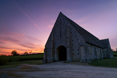 Great Barn (A J Thackway) Tags: canon 6d ef24105mmf4l wideopen 24mm tripod formatthitech 09gradnd sundown easter april greatcoxwell faringdon oxfordshire england dusk purple lilac nationaltrust sunset barn building architecture ancient medieval middle ages stone landscape