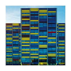 """Reminiszenz an """"De Stijl"""" - Leiden (NL) (Babaou) Tags: niederlande nederland leiden zuidholland architecture architektur abstrakt theovandoesburg pietmondrian destijl kunst dxo"""