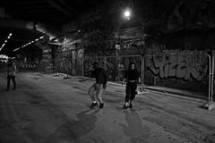 DSC_0114 (riccardo.vfoto) Tags: london undergound londra black and white bianco e nero blanco y negro baile ballo people dancing persone ballare por la calle light