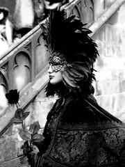 De Venise à Saverne 2017  25/40 (Izzy's Curiosity Cabinet in Venice Mood) Tags: venise venezia venice venedig fééries vénitiennes à la cour de saverne costumes masques costumés costumed défilé 2017