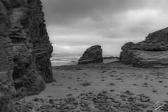 Praia de Esteiro- Cerca da Praia das Catedrais, Ribadeo (jcfasero) Tags: playa beach piedra stone catedral catedrais lugo ribadeo galicia españa sony a6000 seascape bw blackwhite outdoor mar sea