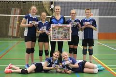 2017 april N6.1 kampioen. Boven vlnr Anna, Veerle, tr. Heather, Iris, Floris. Onder vlnr Krista en Yente