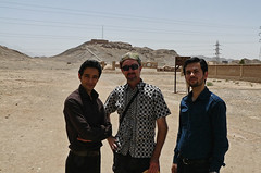 Locals at Dakhmeh-ye-Zartoshtiyun (Towers-of-Silence), Yazd. (praccus) Tags: iran persia persianpeople iranianpeople